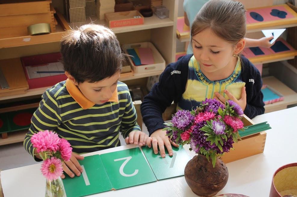 Povestea primei grădinițe Montessori din București, deschisă prima dată într-un cabinet stomatologic