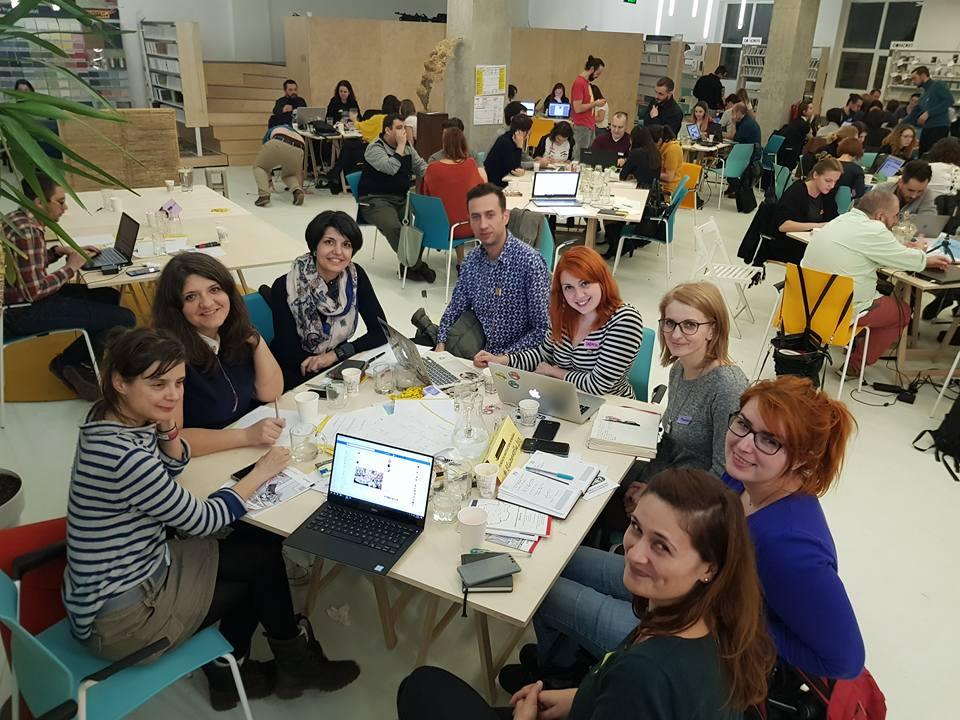 85 de profesioniști au muncit 8 ore peste program pentru 15 ONG-uri